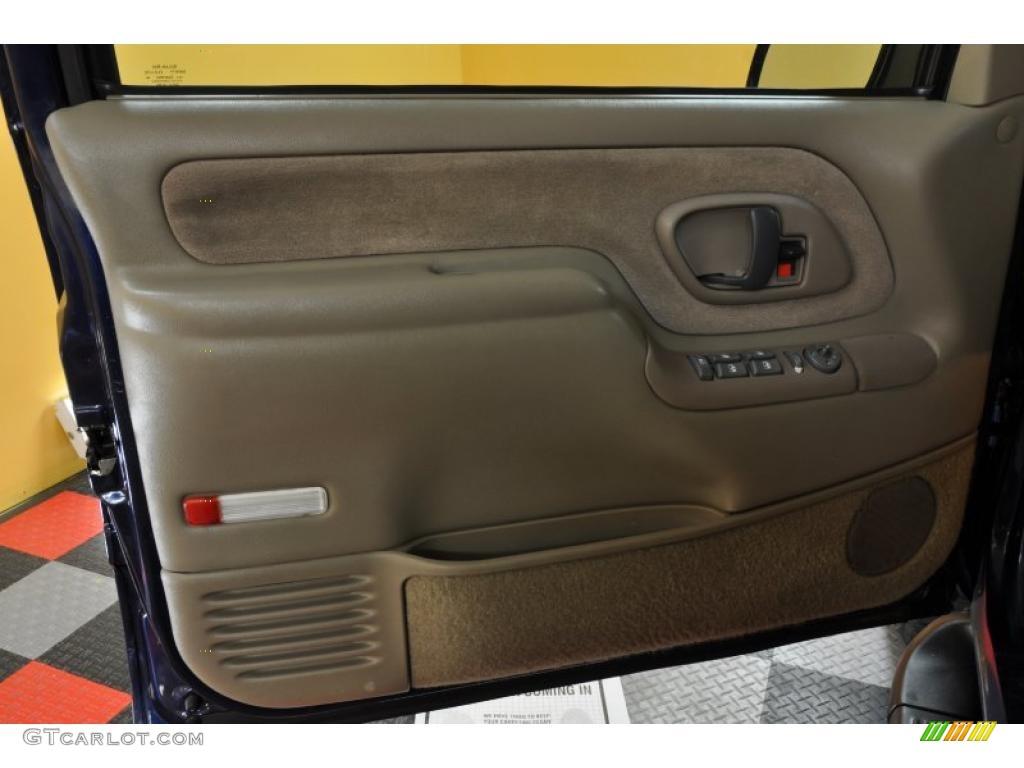 1999 Chevrolet Suburban K1500 LT 4x4 Door Panel Photos & 1999 Chevrolet Suburban K1500 LT 4x4 Door Panel Photos   GTCarLot.com