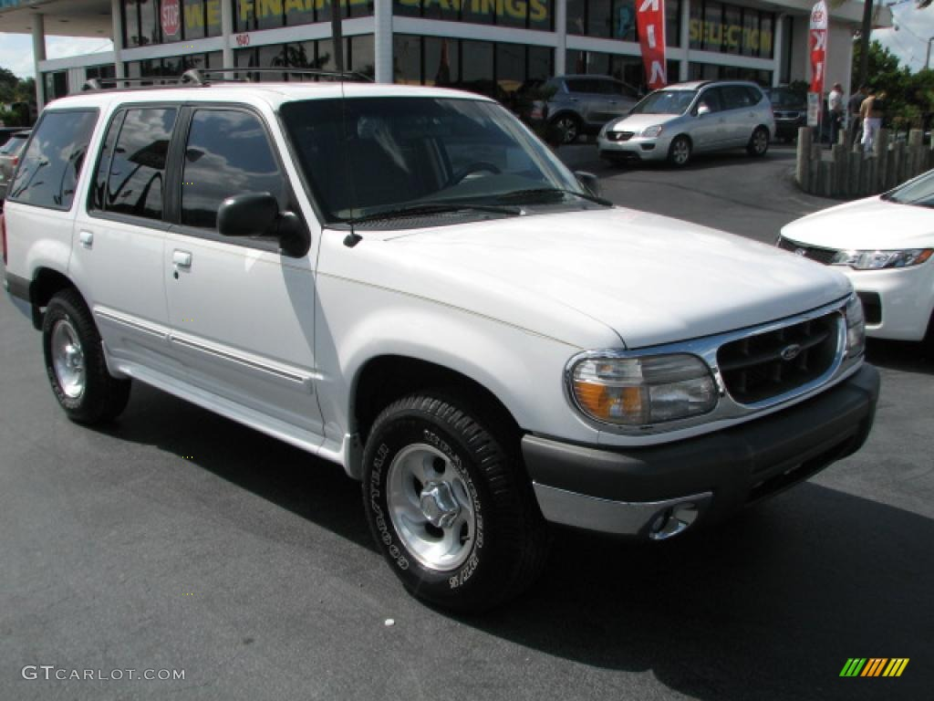 Oxford White 1999 Ford Explorer Xlt Exterior Photo