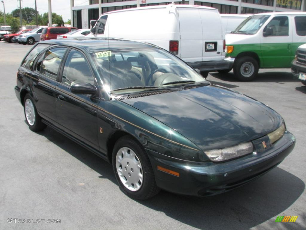 AUTOPEDIA™: 1997 Saturn Vehicles