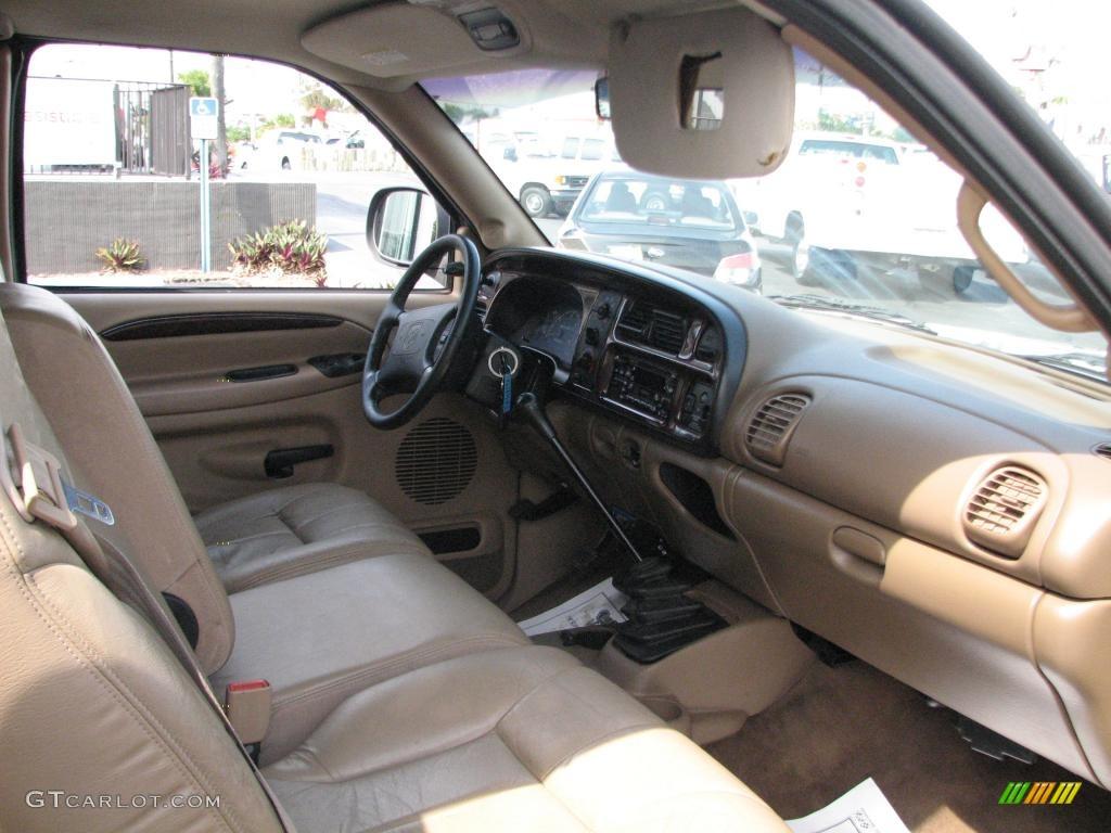 on 2003 Dodge Dakota Extended Cab