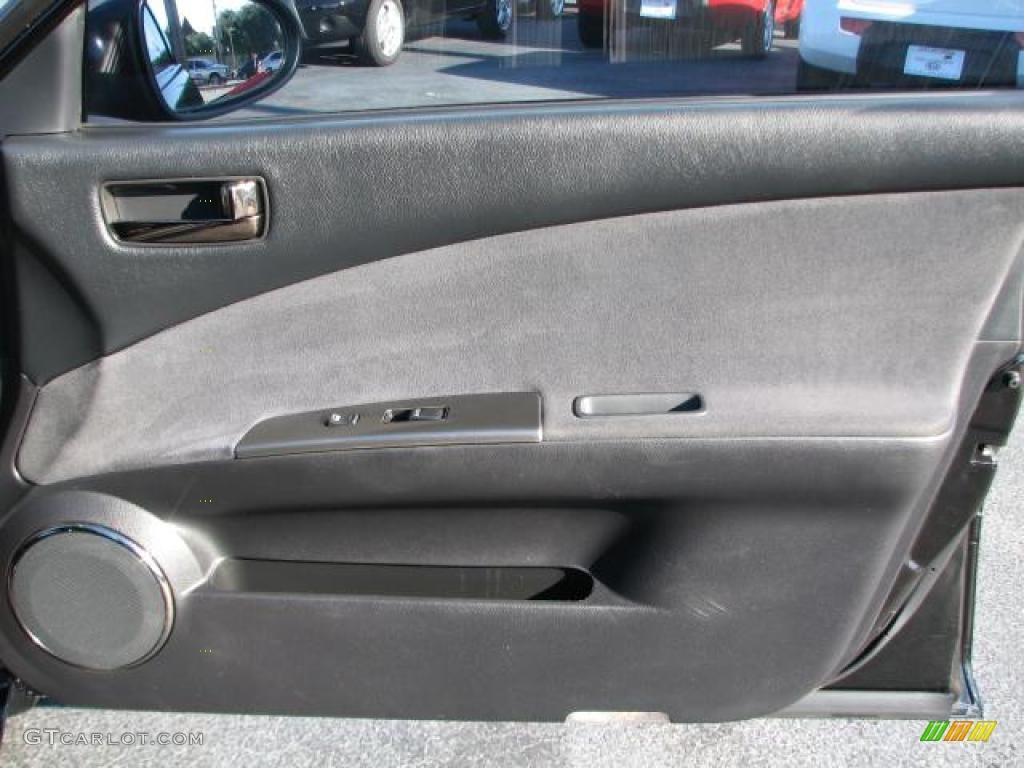 2006 Nissan Altima 3.5 SE R Door Panel Photos