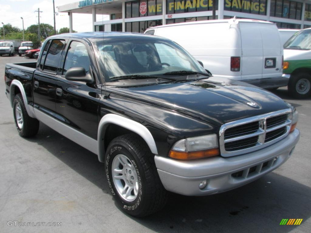 2004 Dakota SLT Quad Cab - Black / Dark Slate Gray photo #1