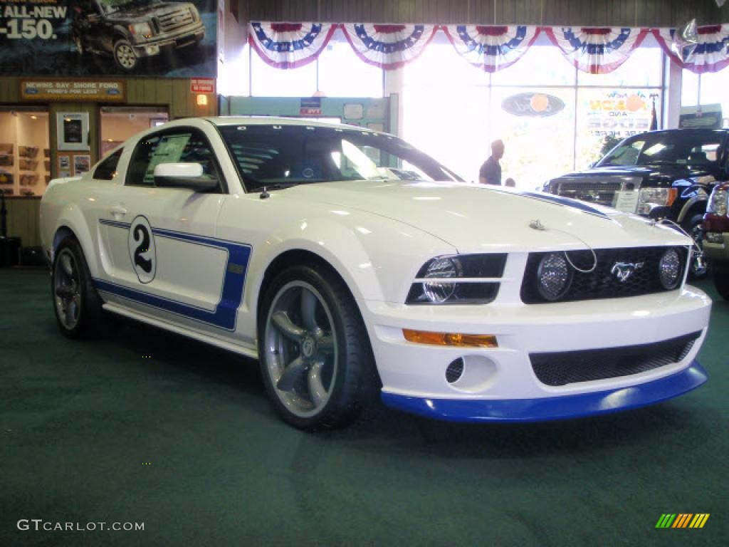 2008 performance white ford mustang saleen gurney signature edition 39741091 photo 3. Black Bedroom Furniture Sets. Home Design Ideas