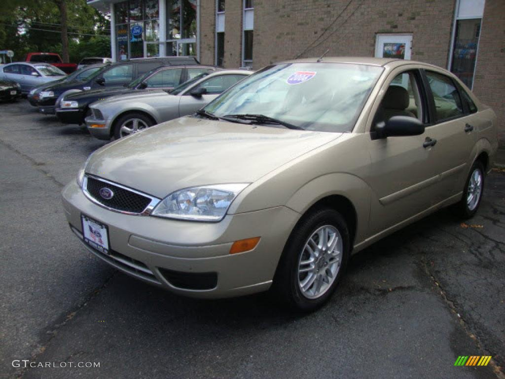 pueblo gold metallic 2006 ford focus zx4 se sedan exterior. Black Bedroom Furniture Sets. Home Design Ideas