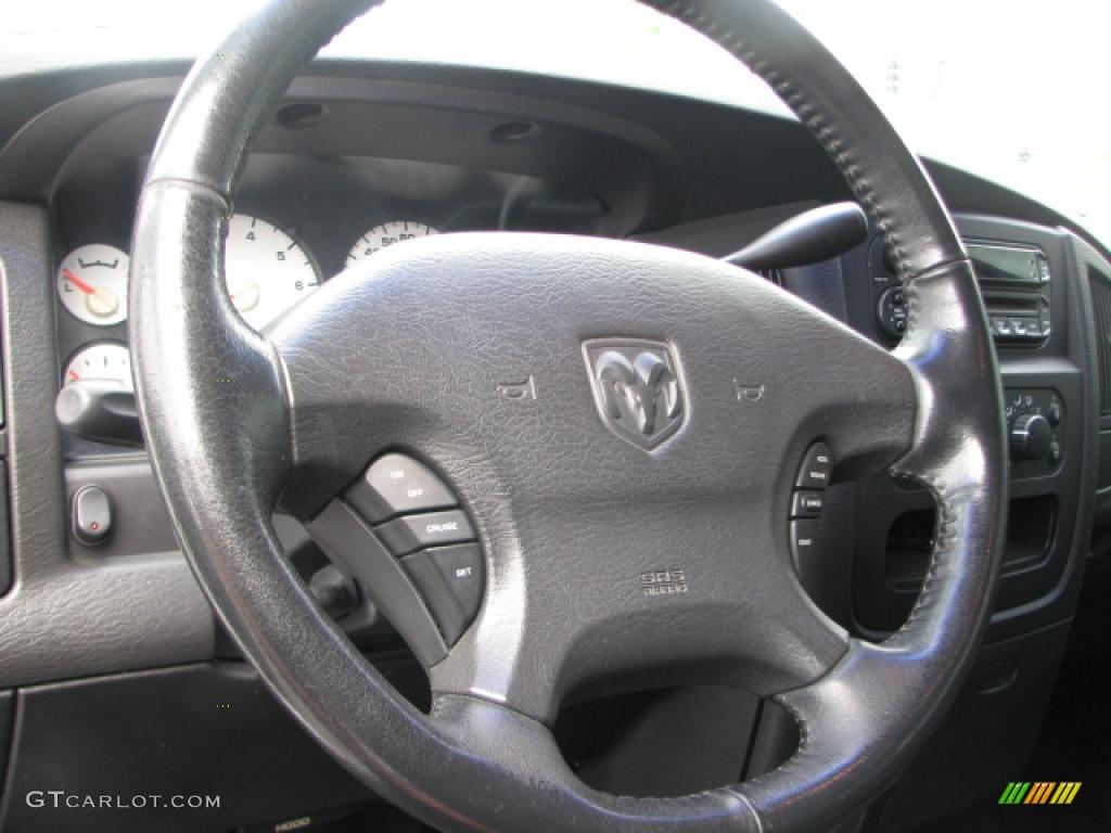 2002 Ram 1500 SLT Quad Cab 4x4 - Bright White / Dark Slate Gray photo #18