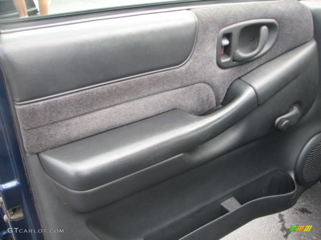 1998 Chevrolet S10 LS Regular Cab Gray Door Panel Photo ...