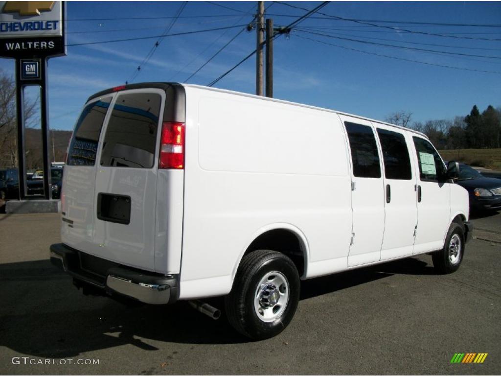 summit white 2011 chevrolet express 3500 cargo van. Black Bedroom Furniture Sets. Home Design Ideas