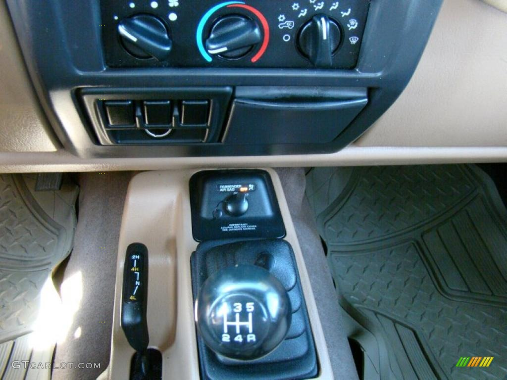 2002 jeep wrangler sport 4x4 5 speed manual transmission photo rh gtcarlot com 2002 jeep liberty manual pdf 2002 jeep manual transmission