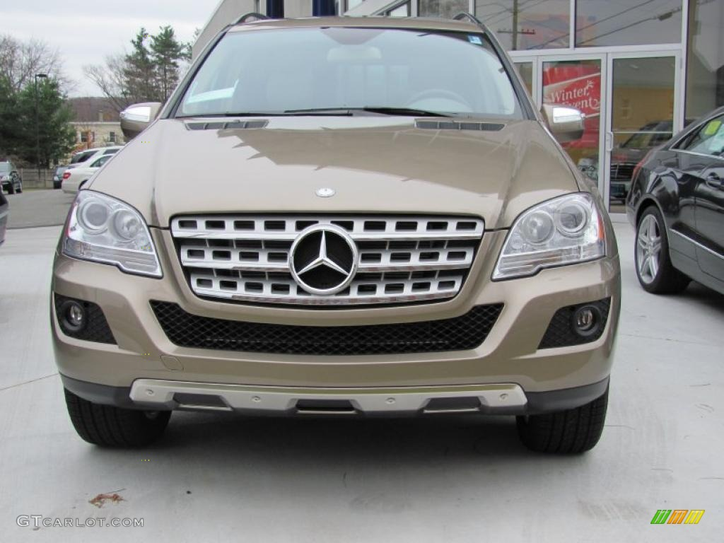 2010 sand beige metallic mercedes benz ml 350 4matic for Mercedes benz color