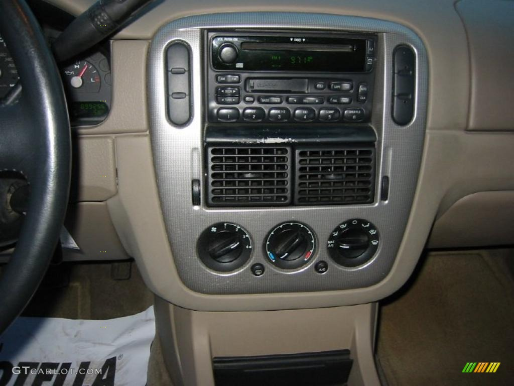2003 Ford Explorer XLT Controls Photo #39970088