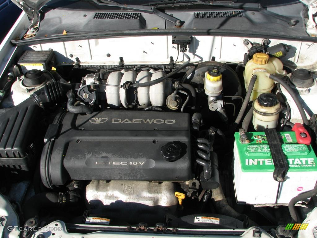 2002 Daewoo Lanos Sport Coupe Engine Photos