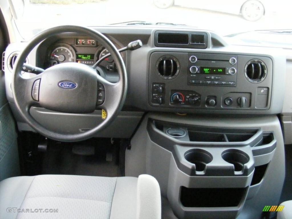 2010 Ford E Series Van E350 Xlt Penger Medium Flint Dashboard Photo 40093471