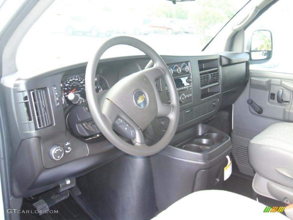 Medium Pewter Interior 2011 Chevrolet Express 1500 Cargo Van Photo 40125644