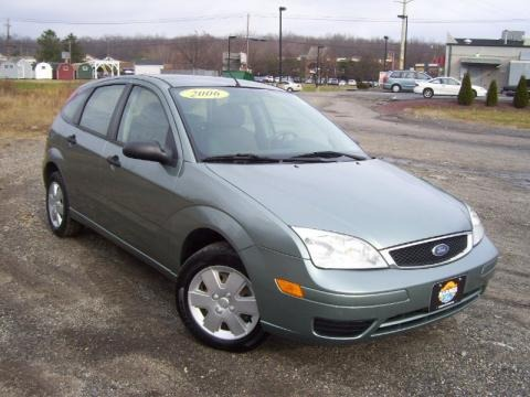 2006 ford focus zx5 se hatchback data info and specs. Black Bedroom Furniture Sets. Home Design Ideas