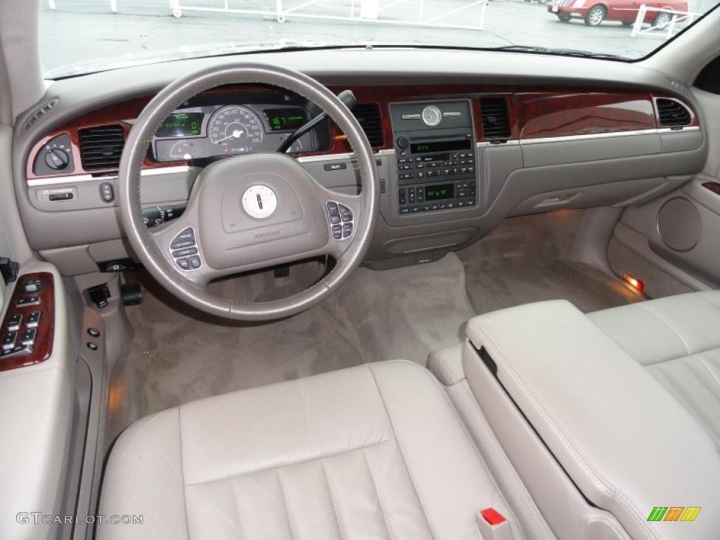 dark stone medium light stone interior 2004 lincoln town car signature photo 40208673