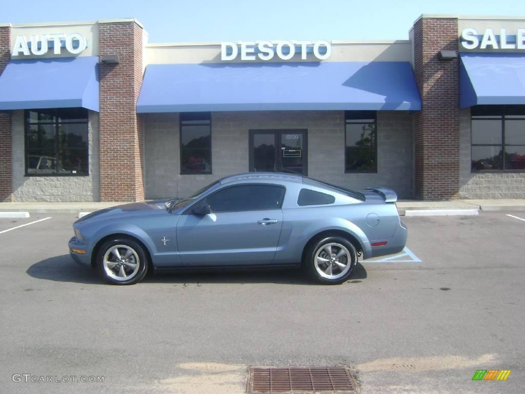 2006 Mustang V6 Premium Coupe - Windveil Blue Metallic / Light Graphite photo #1