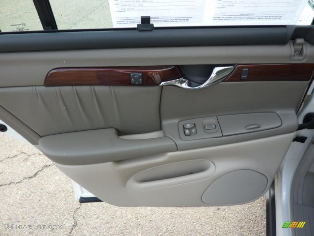 2002 Cadillac Deville Dhs Neutral Shale Door Panel Photo 40243458