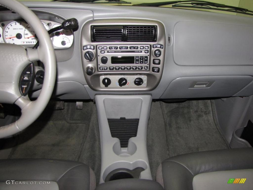 2003 Ford Explorer Sport XLT 4x4 Graphite Grey Dashboard Photo #40285230