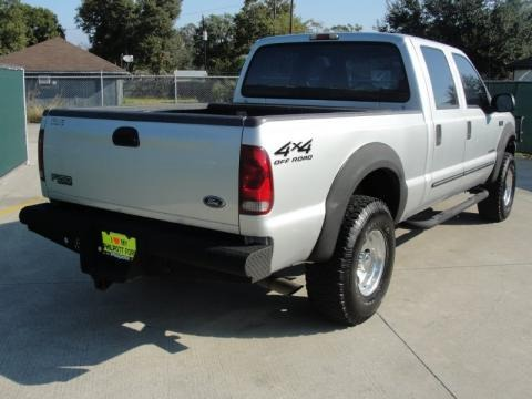 2000 Ford F250 Super Duty XLT Crew Cab 4x4 Data, Info and Specs