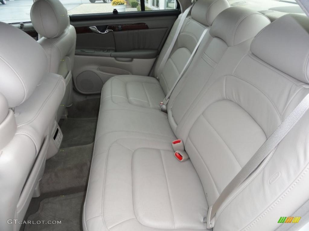 Shale Interior 2005 Cadillac Deville Dhs Photo 40339611
