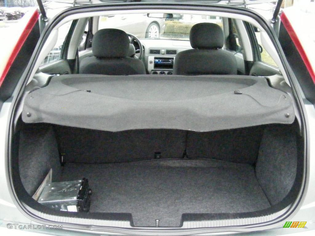 2005 ford focus zx5 se hatchback trunk photo 40364541. Black Bedroom Furniture Sets. Home Design Ideas