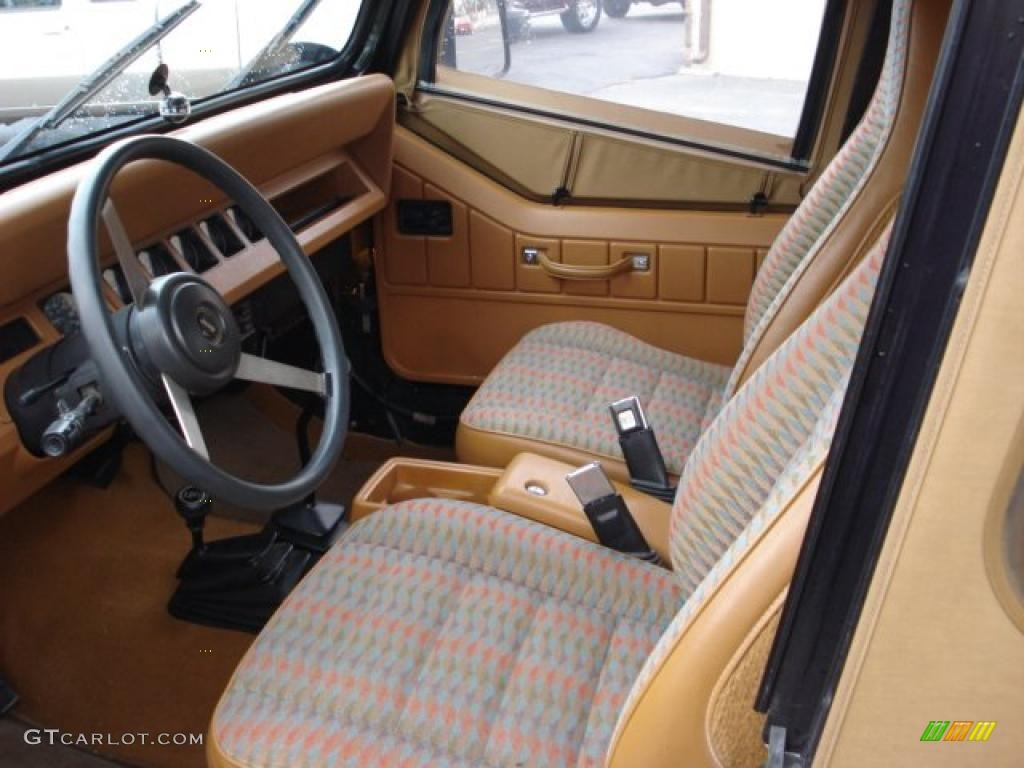 Spice beige interior 1995 jeep wrangler rio grande 4x4 for Interior wrangler yj
