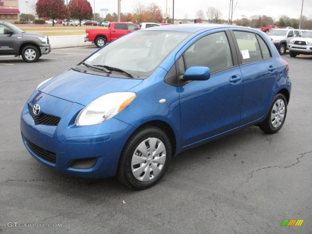 Blazing Blue Pearl 2011 Toyota Yaris 5 Door Liftback Exterior Photo 40376593