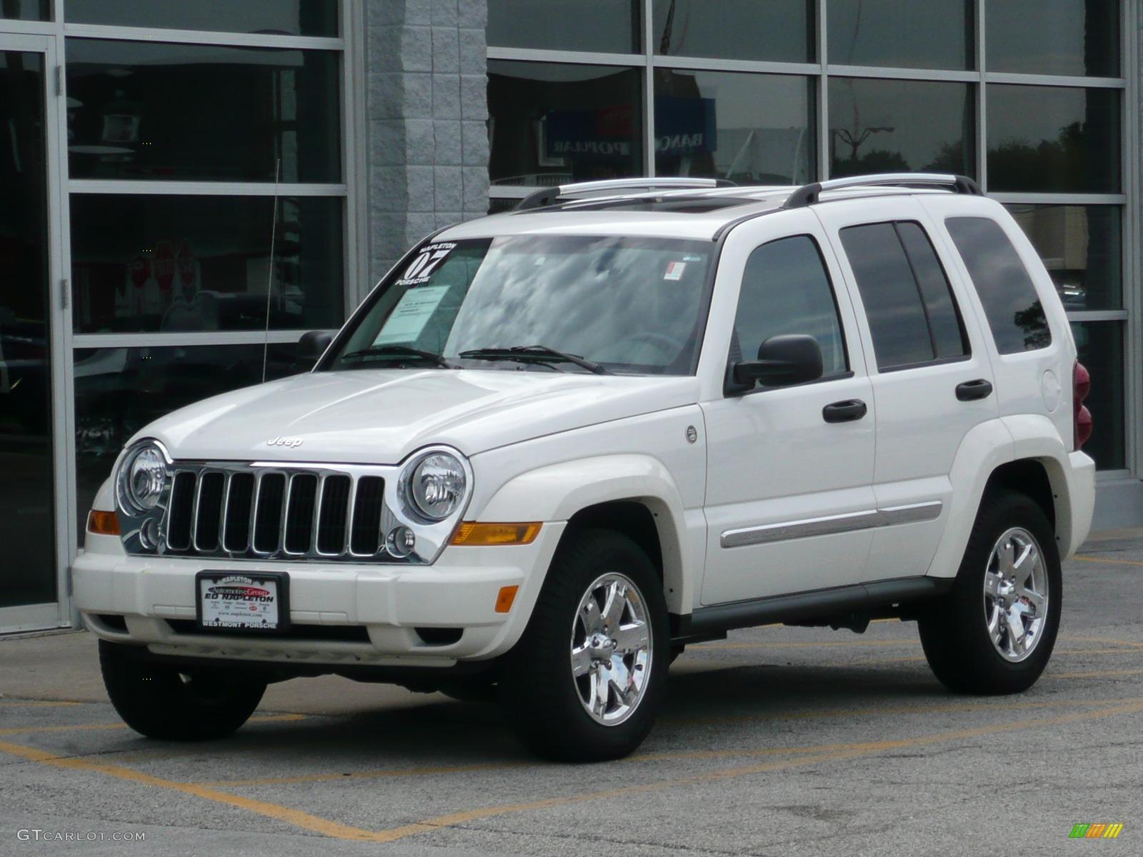 Stone White Jeep Liberty. Jeep Liberty Limited 4x4