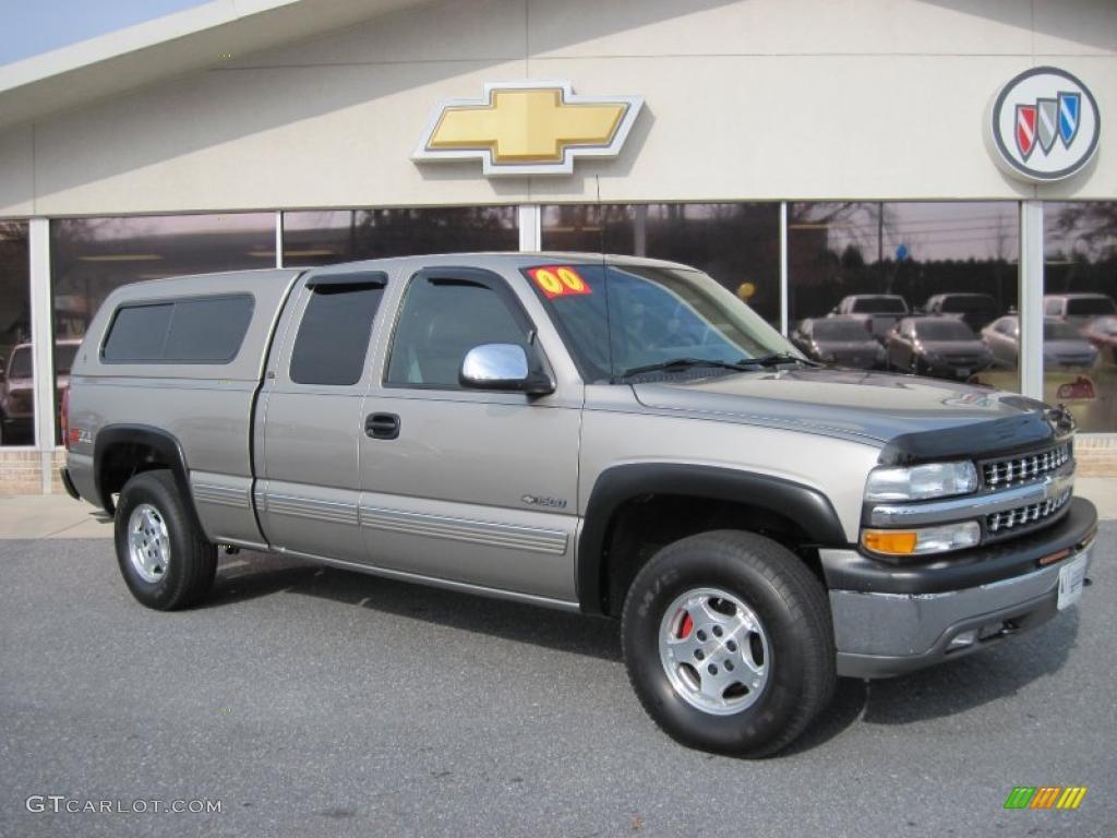 2000 Silverado 1500 LT Extended Cab 4x4 - Sunset Gold Metallic / Medium Gray photo #1