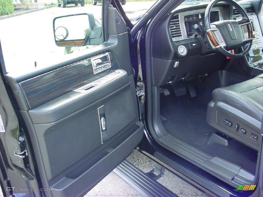 Charcoal Black Interior 2008 Lincoln Navigator Luxury Photo 40473183