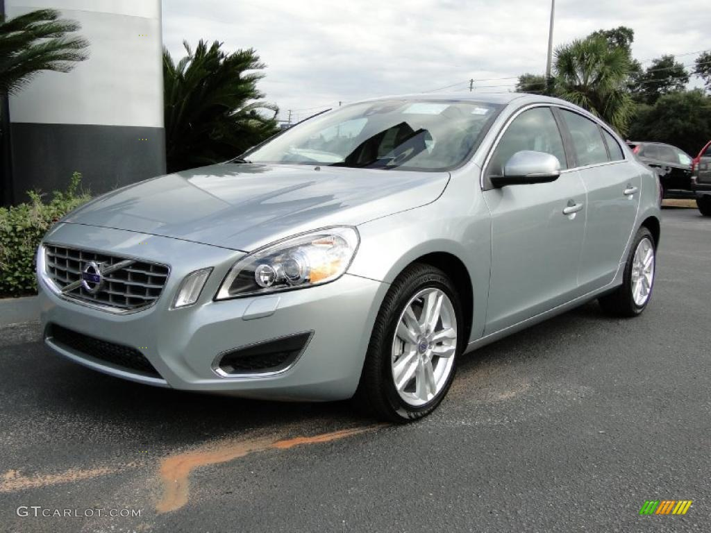 2011 electric silver metallic volvo s60 t6 awd 40410884. Black Bedroom Furniture Sets. Home Design Ideas