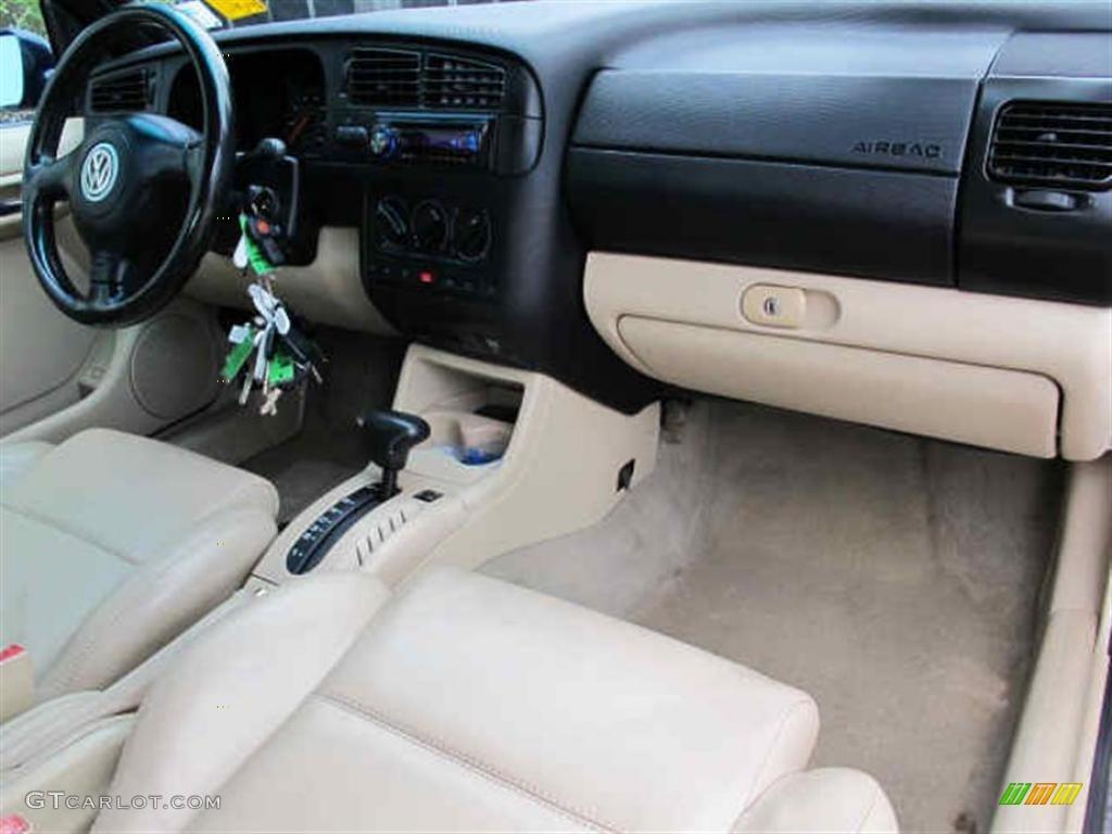 2002 Volkswagen Cabrio GLX Beige Dashboard Photo #40501362   GTCarLot.com