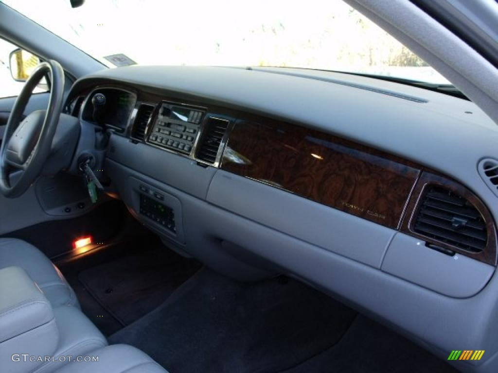 1999 lincoln town car signature light graphite dashboard photo 40512482. Black Bedroom Furniture Sets. Home Design Ideas