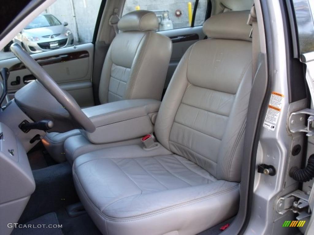 1999+lincoln+town+car+interior