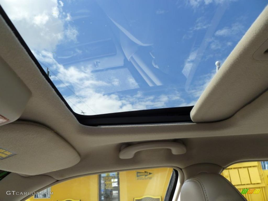 2003 lincoln town car signature sunroof photo 40526752. Black Bedroom Furniture Sets. Home Design Ideas