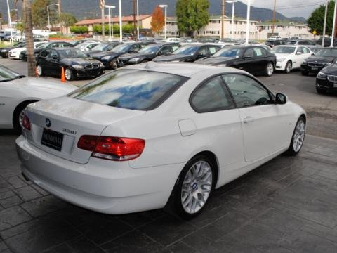 2010 BMW 3 Series 328i Coupe Data, Info and Specs
