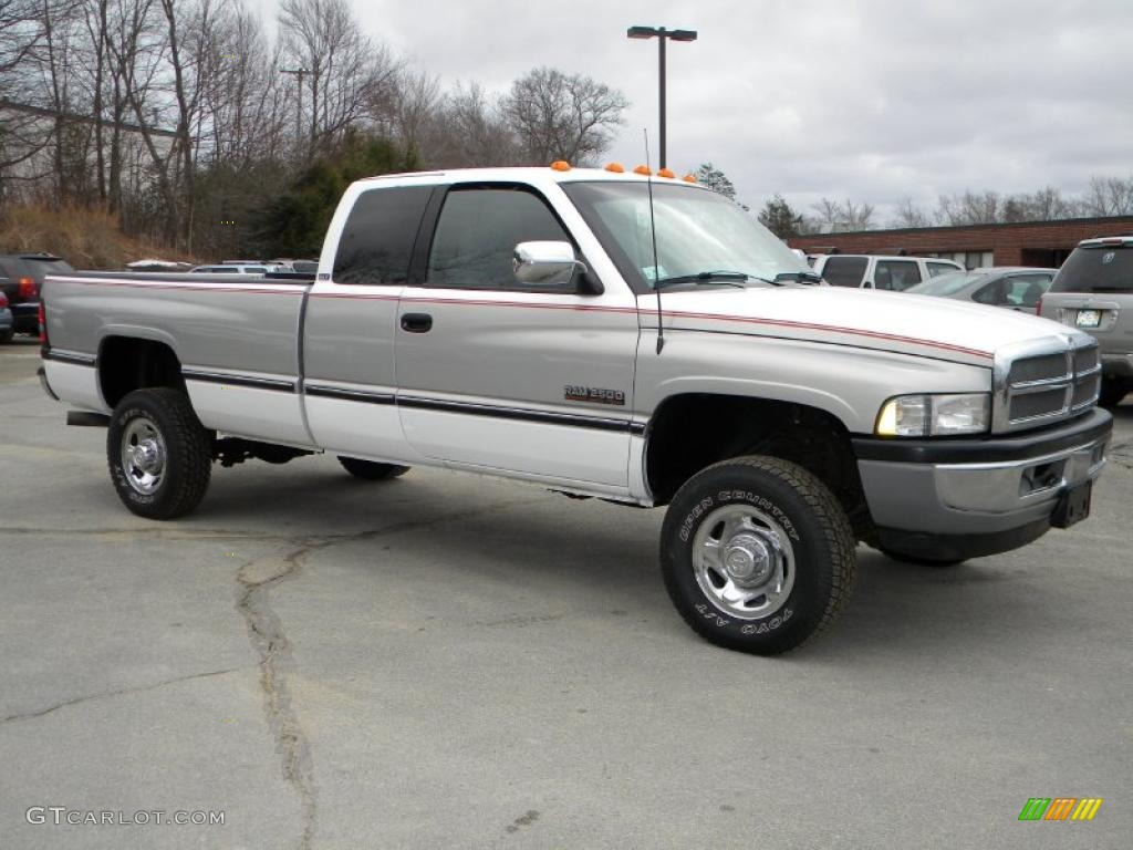 1997 bright white dodge ram 2500 laramie extended cab 4x4 40571509 car color. Black Bedroom Furniture Sets. Home Design Ideas