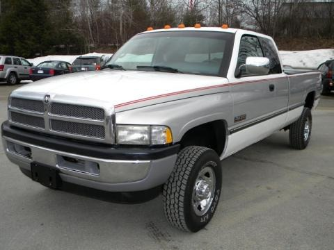 1997 dodge ram 2500 data info and specs. Black Bedroom Furniture Sets. Home Design Ideas