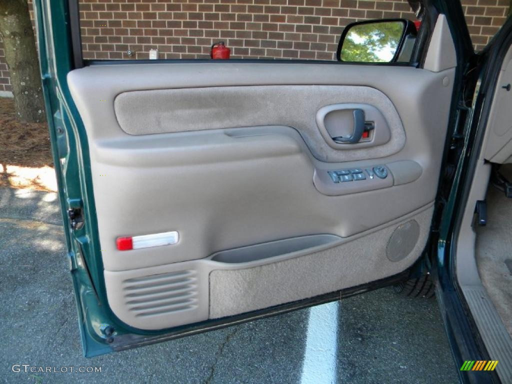 1996 GMC Suburban C1500 SLT Door Panel Photos & 1996 GMC Suburban C1500 SLT Door Panel Photos | GTCarLot.com