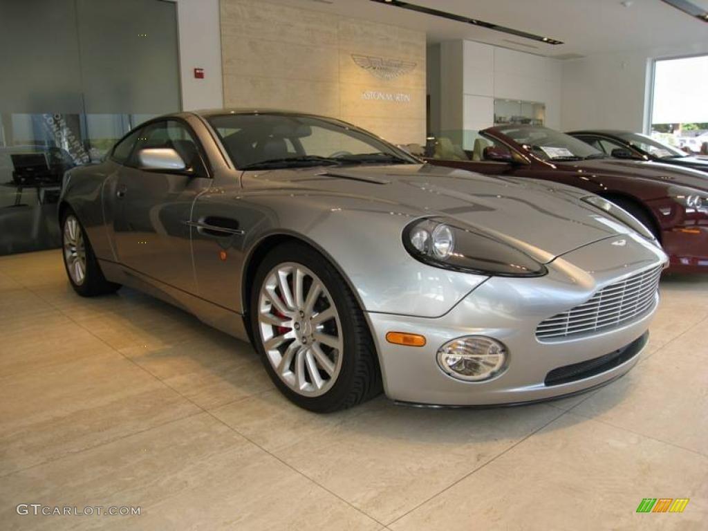 2003 Tungsten Silver Aston Martin Vanquish 4045179