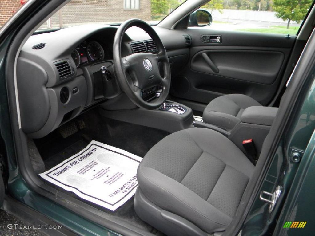 Grey interior 2005 volkswagen passat gls tdi sedan photo 40623726 for Volkswagen passat 2000 interior