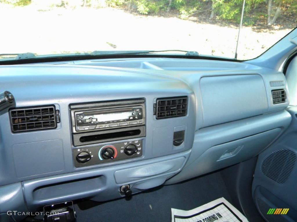1999 Ford F350 Super Duty XLT Crew Cab 4x4 Dually Blue Dashboard Photo #40626022