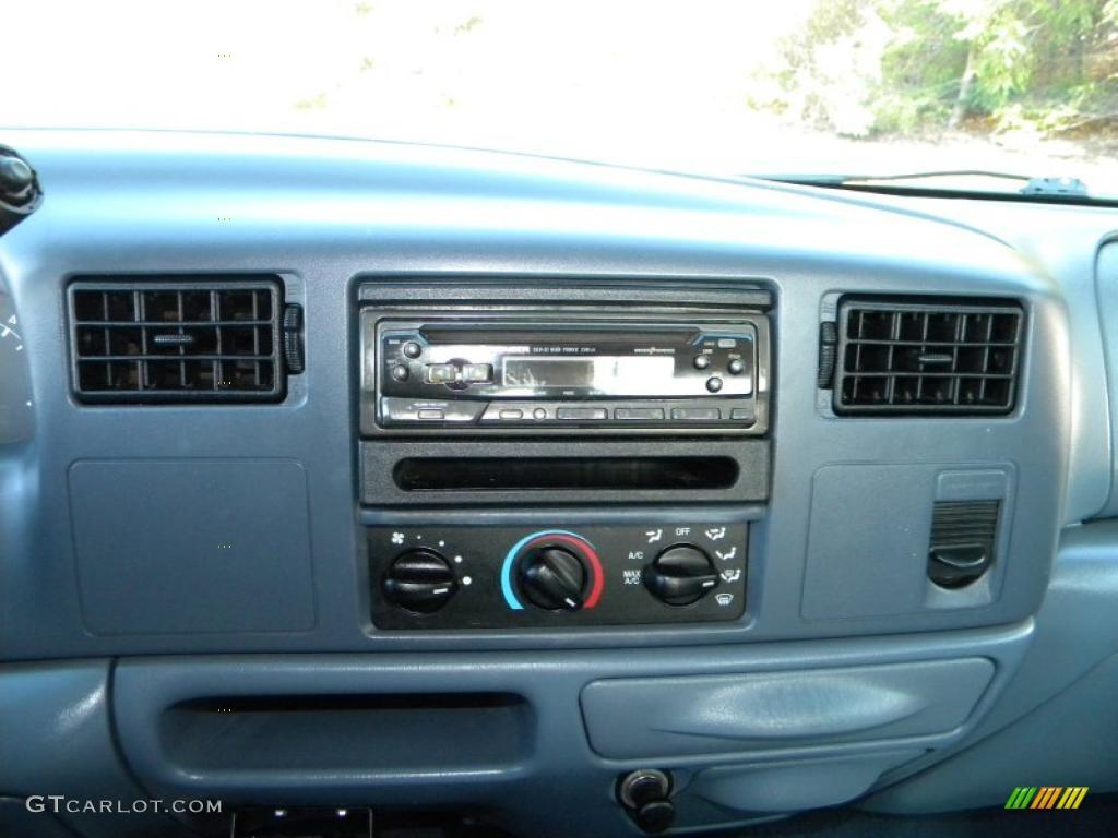 1999 Ford F350 Super Duty XLT Crew Cab 4x4 Dually Controls Photo #40626050