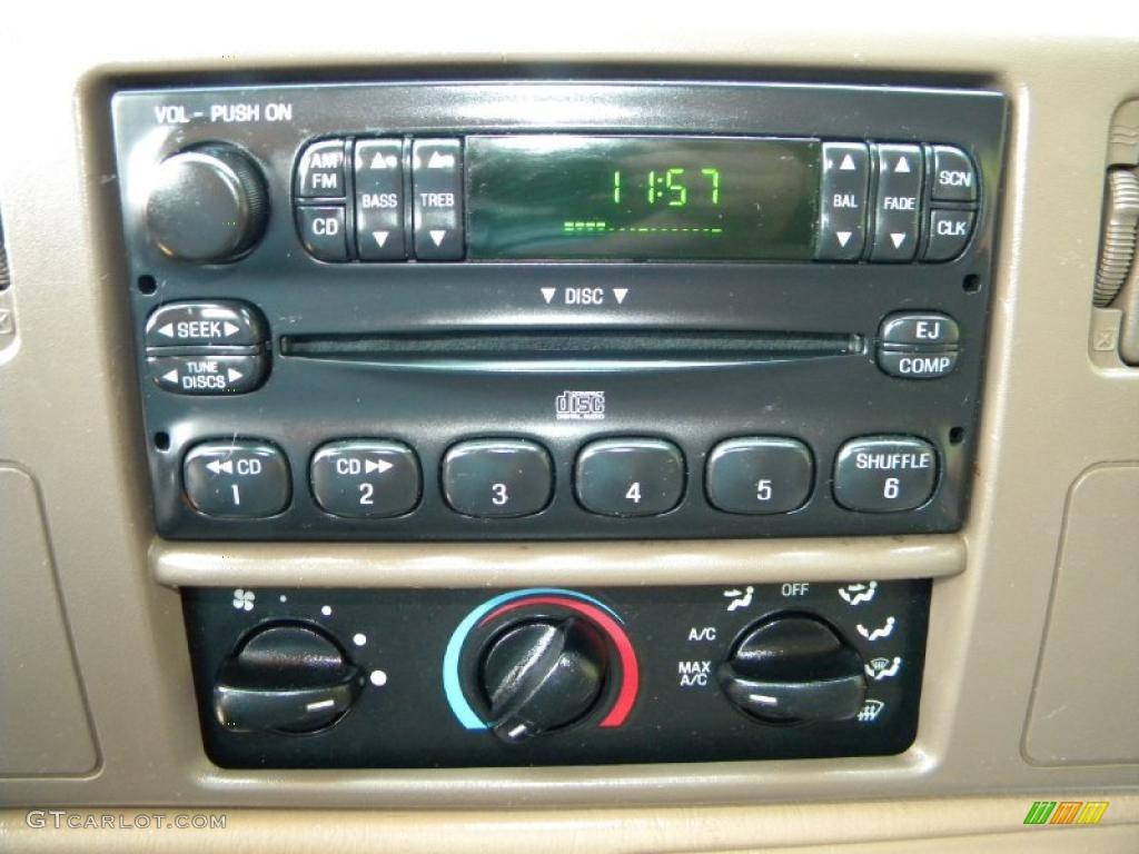 1999 Ford F350 Super Duty XLT Crew Cab 4x4 Dually Controls Photo #40648814