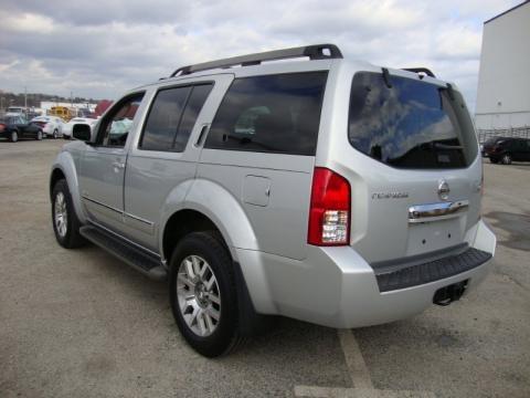 2008 Nissan Pathfinder. 2008 Nissan Pathfinder LE V8