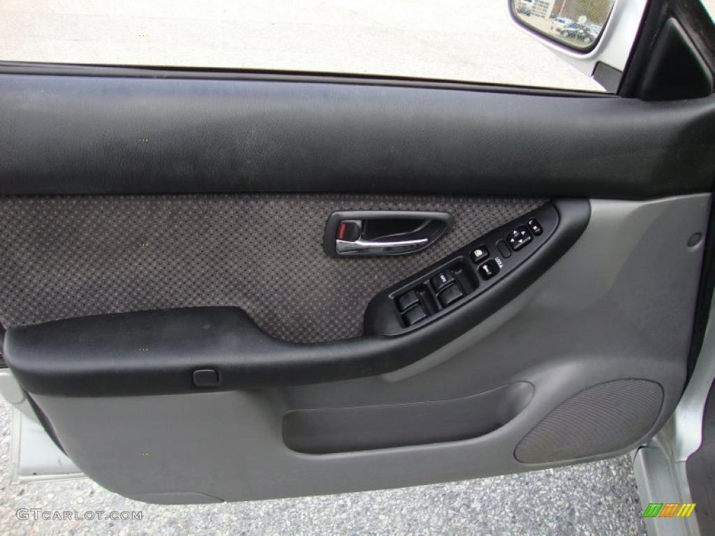 2004 subaru legacy l wagon gray moquette door panel photo 40682182 gtcarlot com