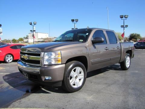 2008 Chevrolet Silverado 1500 LT Crew Cab Data, Info and Specs