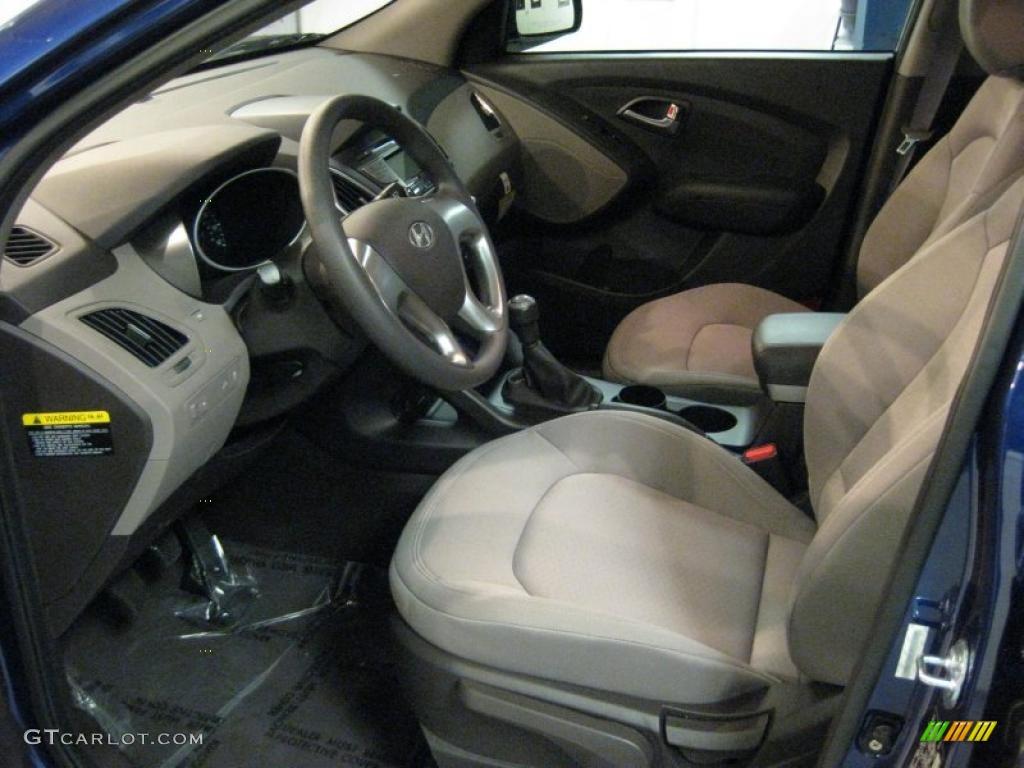2011 Hyundai Tucson Gl Interior Photo 40709385