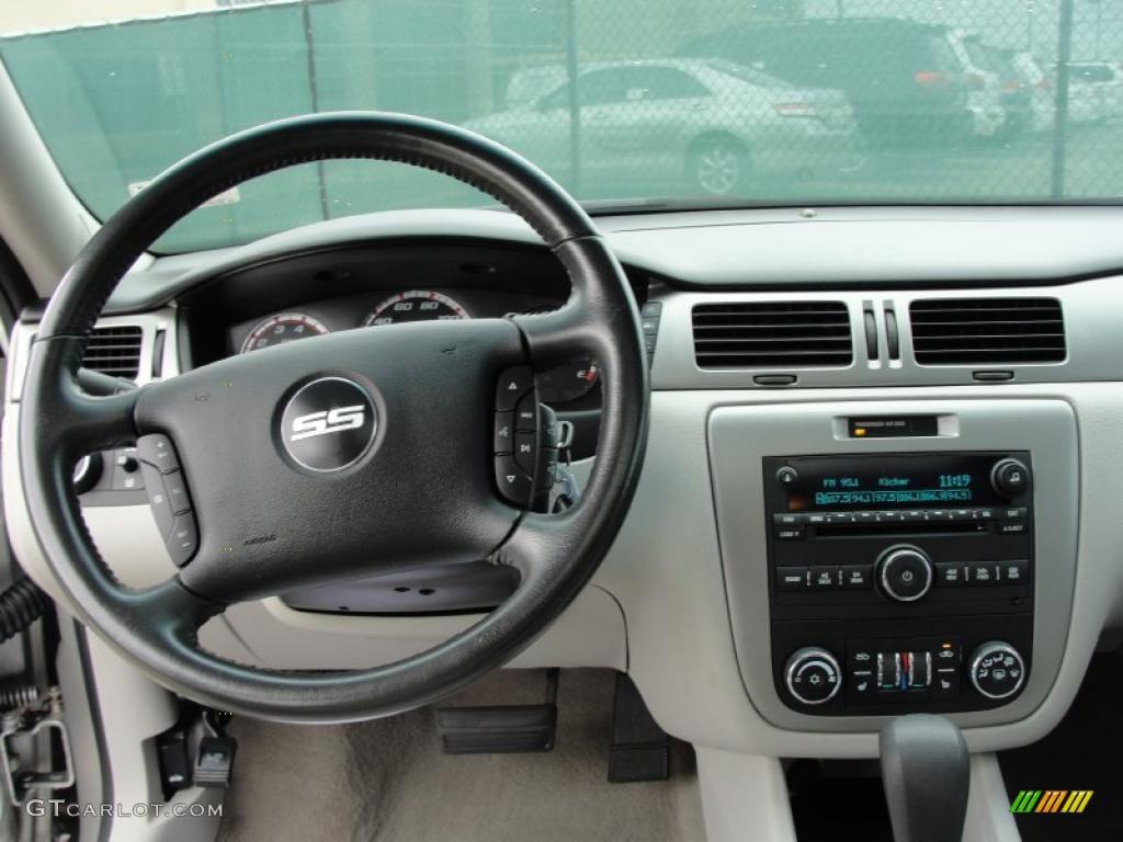 2006 Chevrolet Impala SS Gray Dashboard Photo #40719586