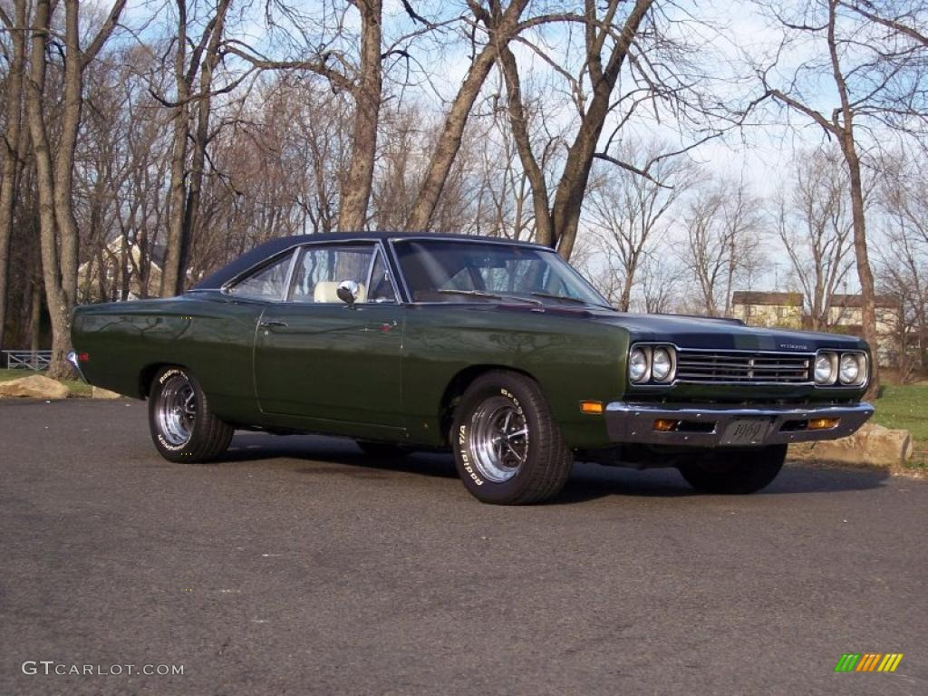 1969 Limelight Green Poly Plymouth Road Runner 2 Door Coupe #40710994